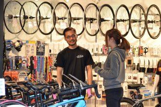 TREK(トレック)のスポーツバイクを専門店で買う5つのメリット。ネット販売との違いは?