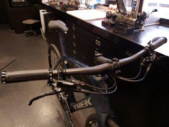 TREK DOMANE カスタマイズ|軽量なロードバイク+フラットバー