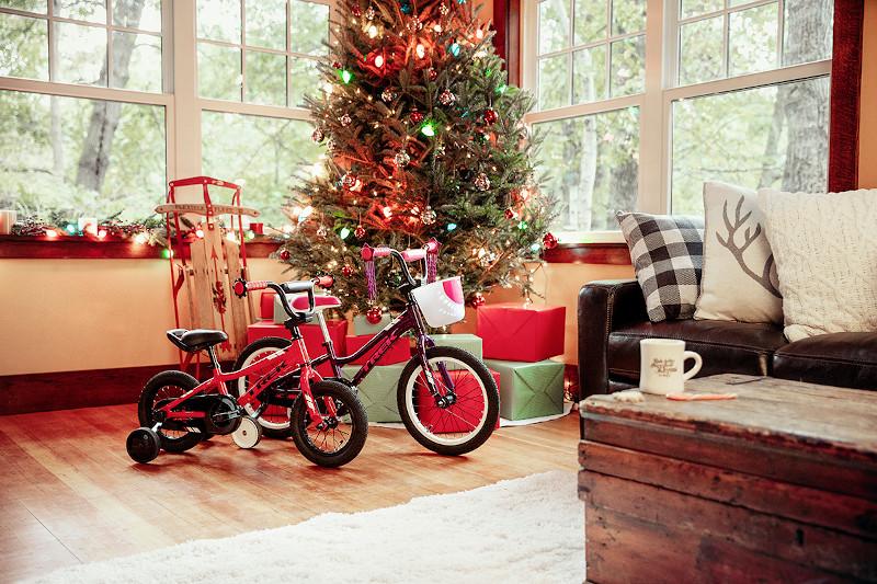 【TREK キッズバイク】クリスマスまでにまだ間に合います。店頭在庫僅か!!