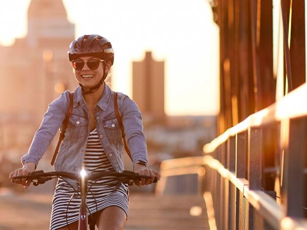 今!一番売れ筋のヘルメット、Bontrager Starvos WaveCel Asia Fit Helmet